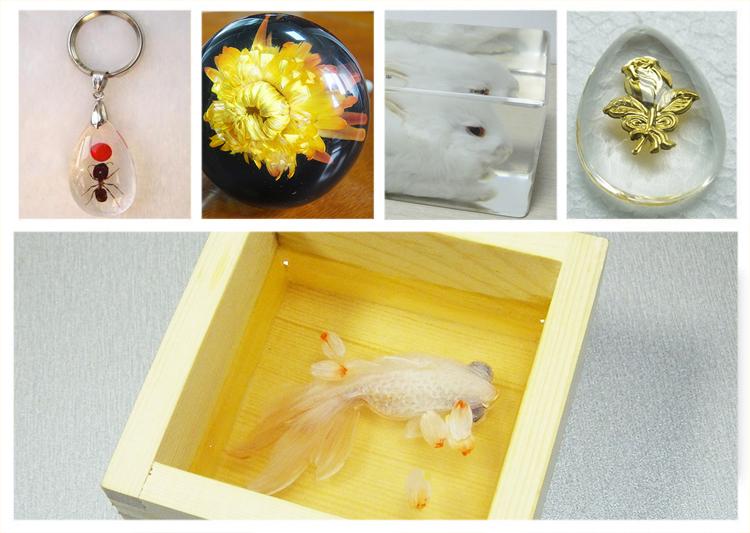 透明水晶树脂胶是一款具透明度像水一样的树脂胶,它主要是用在水晶树脂里面,透明度很高,也可当水晶胶使用。胶水主要成分用德国进口的树脂制作而成,胶体透明无色,耐黄变时间长,不仅适用于水晶树脂。还适用于琥珀、发光字、相框、工艺品、标牌等产品使用,优越消泡性能以及很好的流动性,让更多用户爱上318。